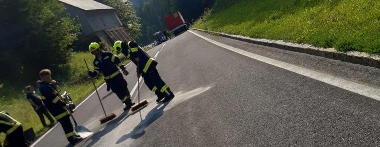 Motorrad gegen Klein-LKW am Pyhrnpass